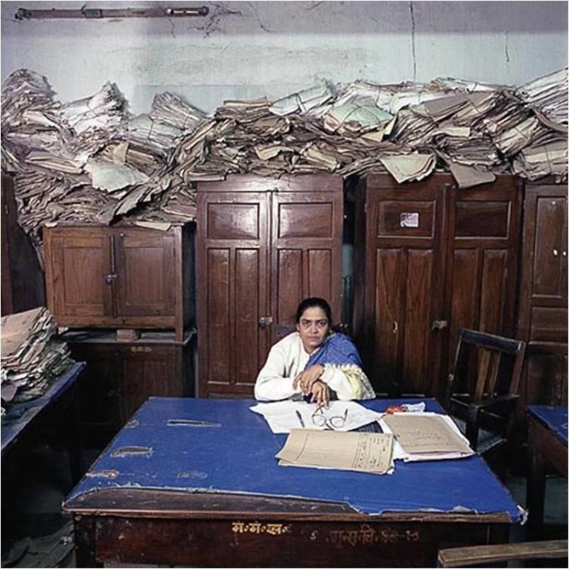 индийский офис плохой и маленький ужасное рабочее место зато дёшево